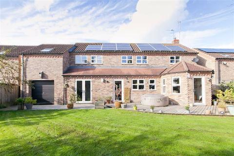 4 bedroom detached house for sale - Roman Close, Hayton