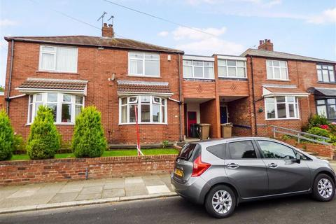 3 bedroom terraced house to rent - Links Road, Cullercoats, Tyne & Wear