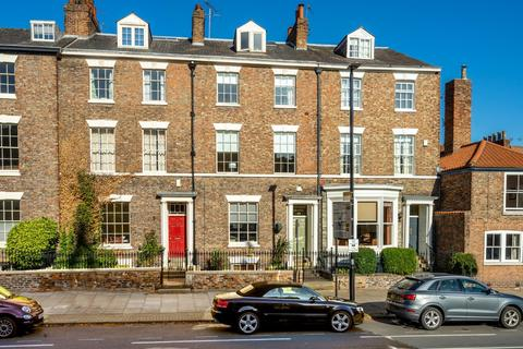 5 bedroom terraced house for sale - Monkgate, YORK