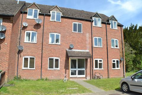 2 bedroom flat to rent - Cleveland Grove Newbury