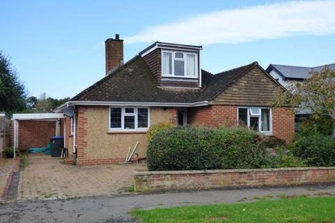 3 bedroom bungalow for sale - St Lawrence Way, Hurstpierpoint, BN6