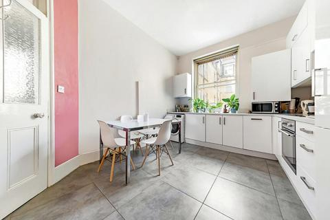 3 bedroom flat to rent - PARK MANSIONS, SW8