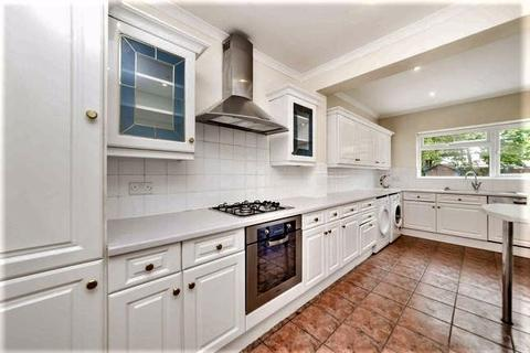 4 bedroom semi-detached house to rent - The Vale, London, NW11