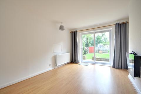 3 bedroom semi-detached house to rent - Oxford Drive, Ruislip HA4 9EZ