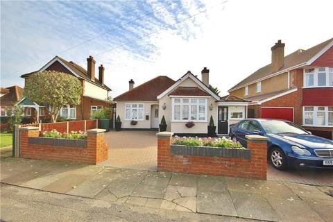 3 bedroom bungalow for sale - The Drive, Ashford, Surrey, TW15