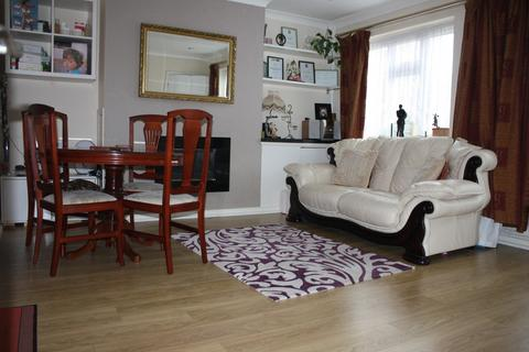3 bedroom end of terrace house to rent - Lime Avenue, West Drayton, Middlesex, UB7