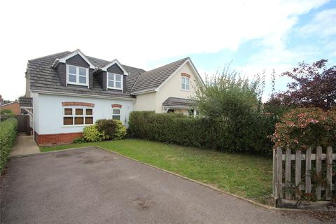 4 bedroom semi-detached house to rent - Seymour Road, Ringwood, Hampshire, BH24