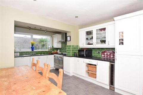 3 bedroom semi-detached house for sale - Bruce Close, Deal, Kent