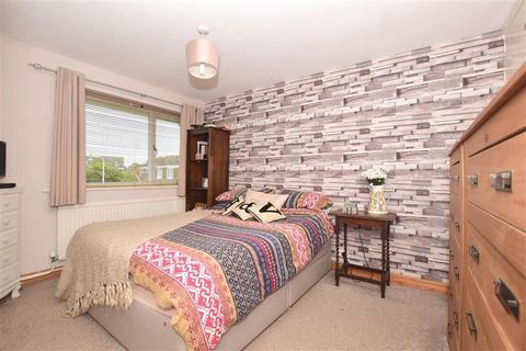3 bedroom semi-detached house for sale - Bruce Close, Deal, Kent