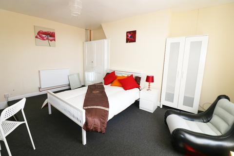 1 bedroom house share to rent - High Street, , Ashford, TN24 8SF