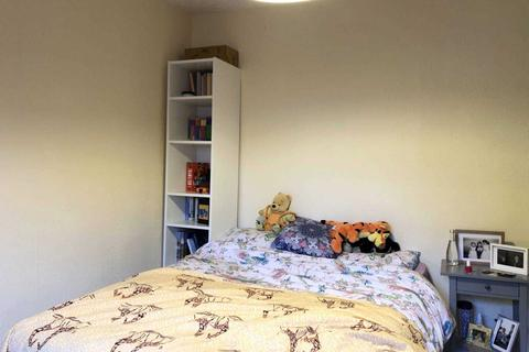 1 bedroom in a house share to rent - Drayton Avenue West Ealing