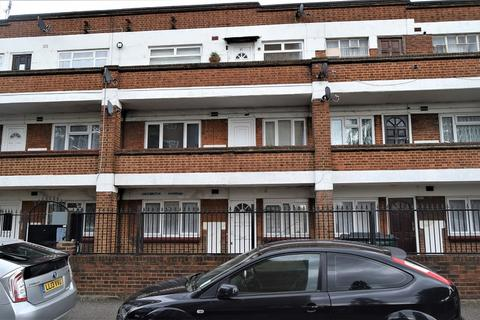 1 bedroom ground floor flat to rent - Albany Road, London, Greater London. E10 7EW
