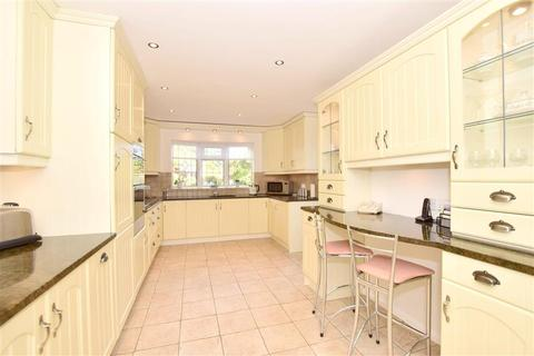 4 bedroom detached house for sale - Berry Close, Wickford, Essex