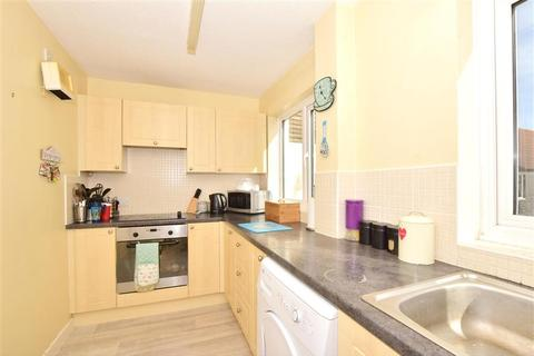 2 bedroom flat for sale - Bucklebury Heath, South Woodham Ferrers, Chelmsford, Essex