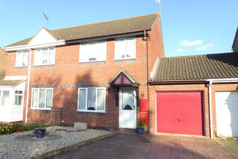 3 bedroom terraced house for sale - Olive Grove, Swindon, Wiltshire, SN25