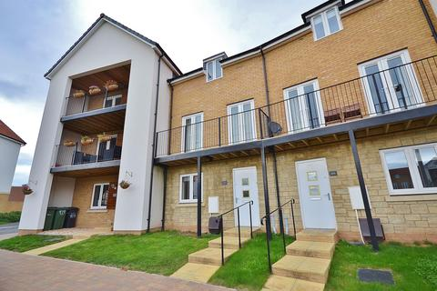 4 bedroom terraced house to rent - Admiral Way, Exeter, EX2 7GT