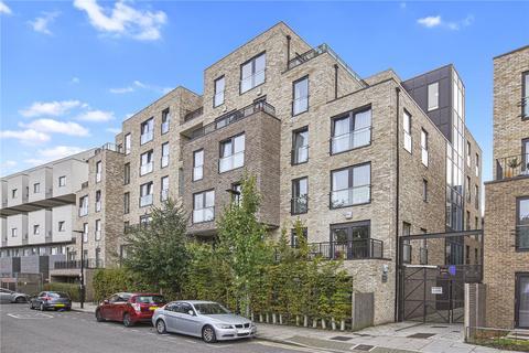 3 bedroom flat for sale - Newton Court, 1 Axio Way, London, E3