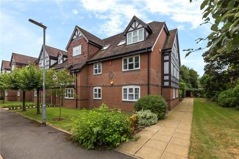3 bedroom flat to rent - Gerard Court, Hitherfield Lane, Harpenden, Hertfordshire