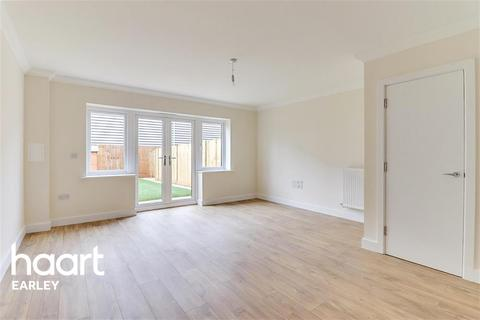 3 bedroom end of terrace house to rent - Tidman Road, Reading, RG2 0DE