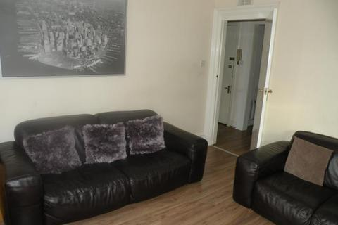 1 bedroom flat to rent - Wallfield Place, Top Floor, AB25