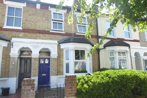 4 bedroom terraced house to rent - Rothesay Road, London