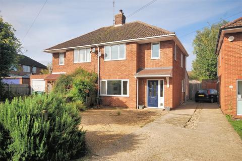 3 bedroom semi-detached house for sale - Grenville Avenue, Wendover, Buckinghamshire