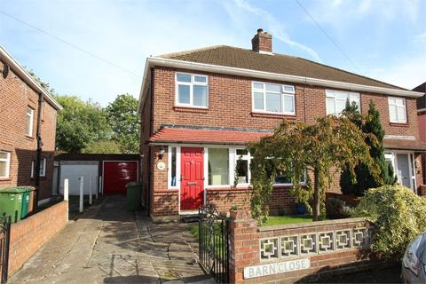 3 bedroom semi-detached house for sale - Barn Close, ASHFORD