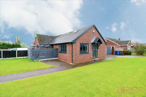 2 bedroom bungalow to rent - Ashford Avenue, Boothstown, M28 1JJ