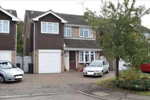 4 bedroom detached house for sale - Russell Gardens, Chelmsford