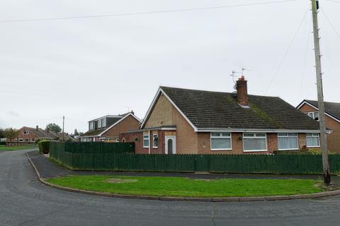 2 bedroom bungalow for sale -  Summergangs Drive,  Hull, HU12