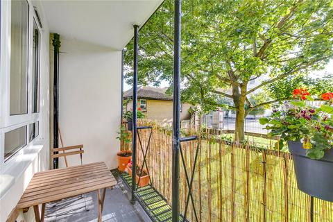 3 bedroom flat for sale - Sharp House, 6 Heather Close, London
