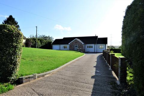 3 bedroom detached bungalow for sale - Stockings Lane, Longdon