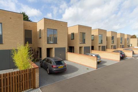 3 bedroom house to rent - Clay Farm Drive, Trumpington, Cambridge, Cambridgeshire