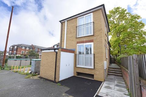 1 bedroom apartment for sale - Hummer Road, Egham
