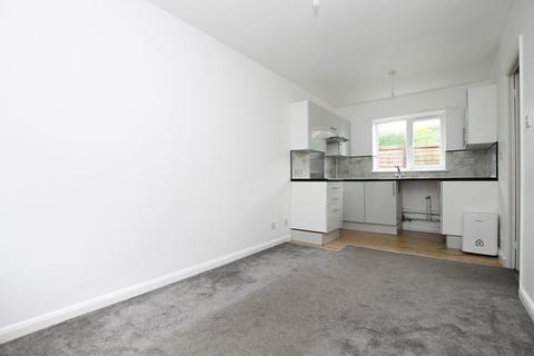 1 bedroom ground floor flat to rent - Brougham Walk, Worthing, BN11 2PY