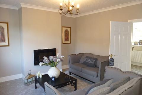 3 bedroom semi-detached house to rent - Cambridge Drive, Padiham, Padiham, Lancashire