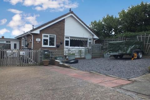 2 bedroom detached bungalow to rent - Arundel Close, Alphington