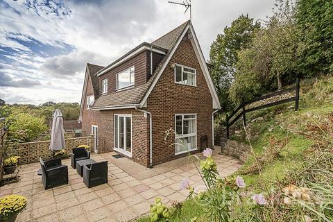 5 bedroom detached house for sale - Thirlmere Road, Tunbridge Wells