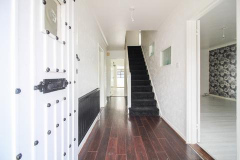 4 bedroom semi-detached house for sale - Godwit Road, Southsea