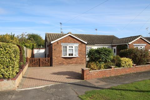 3 bedroom semi-detached bungalow to rent - Kynaston Road, Panfield