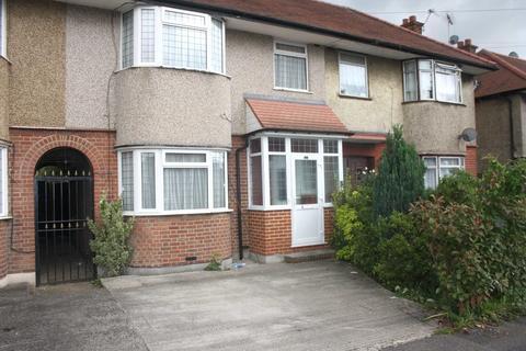 3 bedroom terraced house to rent - Field End Road, Ruislip