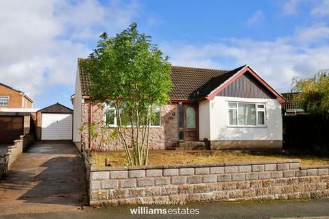 3 bedroom detached bungalow for sale - Hillside Court, Holywell
