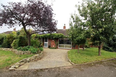 3 bedroom detached bungalow to rent - Stanwick Crescent, Cheltenham, GL51 9LQ