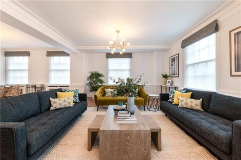 3 bedroom apartment to rent - Grosvenor Square, Mayfair, Lo Ndon, W1K