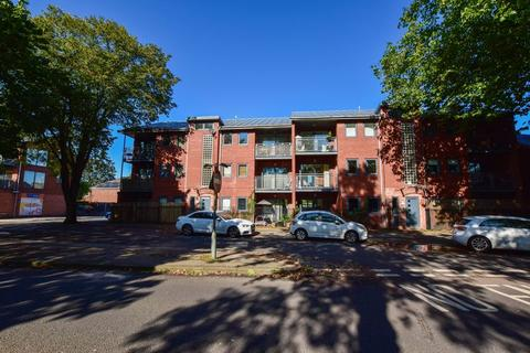 2 bedroom apartment for sale - Stretford Road, Urmston, M41 9FY