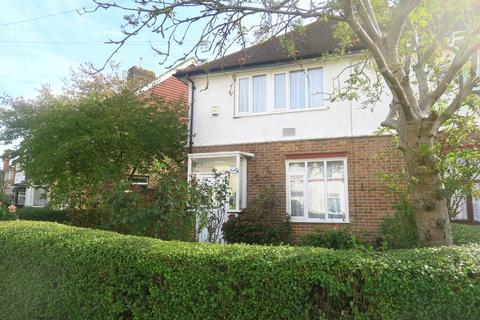 3 bedroom semi-detached house for sale - Burns Avenue, Feltham