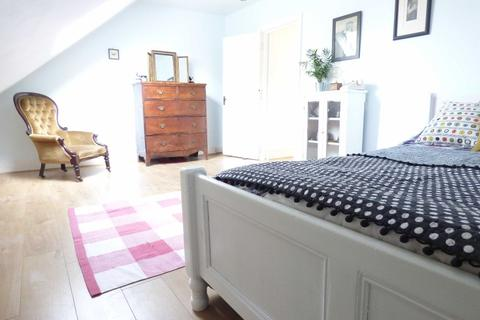 1 bedroom apartment - Richmond Park Road, Bournemouth
