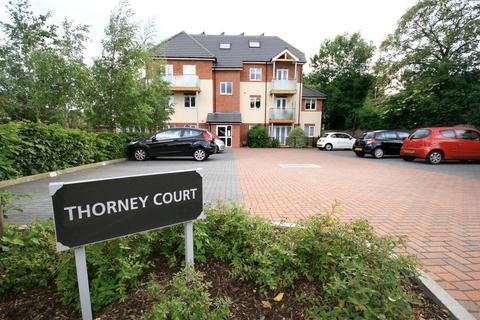 2 bedroom flat to rent - Harlington Road, Uxbridge