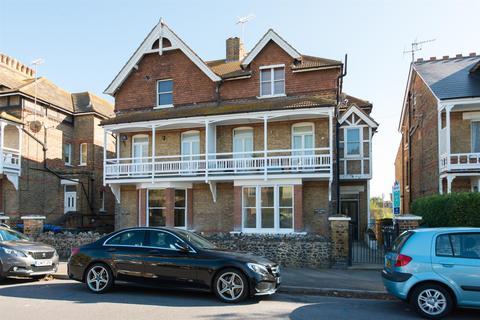 1 bedroom flat for sale - Roxburgh Road, Westgate-on-sea