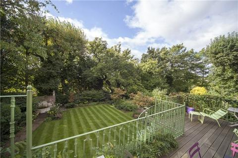 5 bedroom semi-detached bungalow to rent - Chesterford Gardens, Hampstead, London, NW3